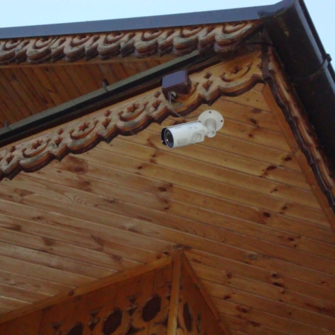 камера видеонаблюдения на гостинице